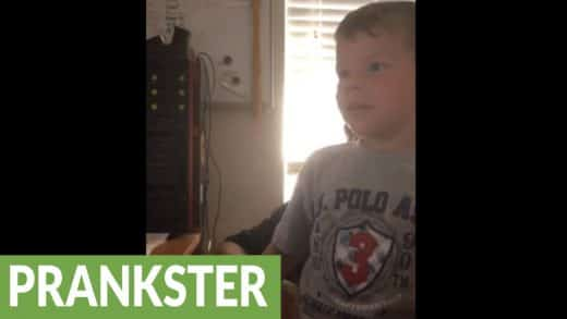 Kid-pranked-by-dad-with-classic-pop-up-scare-video